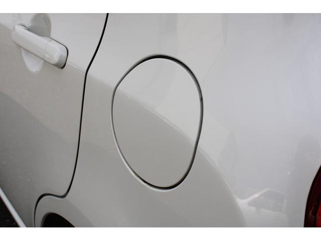 X FM/AMラジオ CD 禁煙車 スマートキー2個 電動格納ミラー プッシュスタート ベンチシート(65枚目)