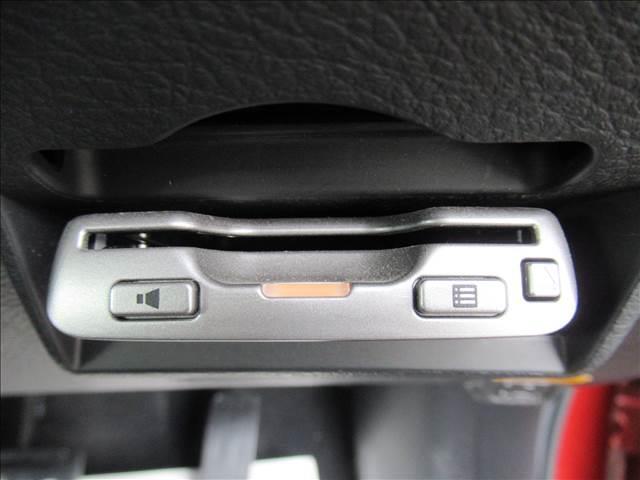 2.0XS SDナビTV バックカメラ ETC シートヒーター 純正16inアルミホイール Bluetooth HIDヘッドライト フォグランプ キーレスキー オートエアコン ECOモード(7枚目)