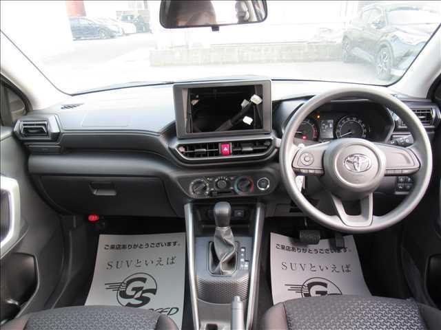 X S トヨタセーフティセンス 新車未登録 クリアランスソナー アイドリングストップ 純正16inスチールホイール スマートキー プッシュスタート(2枚目)