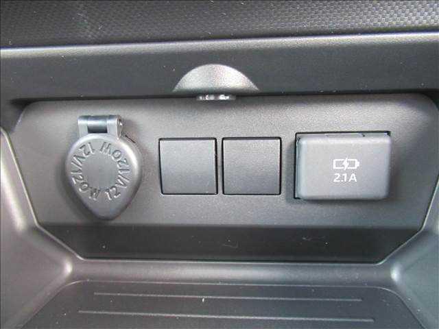 X S トヨタセーフティセンス 新車未登録 クリアランスソナー アイドリングストップ 純正16inスチールホイール スマートキー プッシュスタート(7枚目)