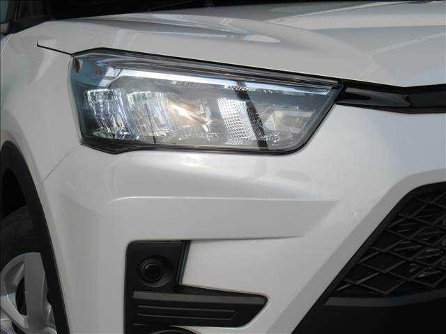 X S トヨタセーフティセンス 新車未登録 クリアランスソナー アイドリングストップ 純正16inスチールホイール スマートキー プッシュスタート(12枚目)