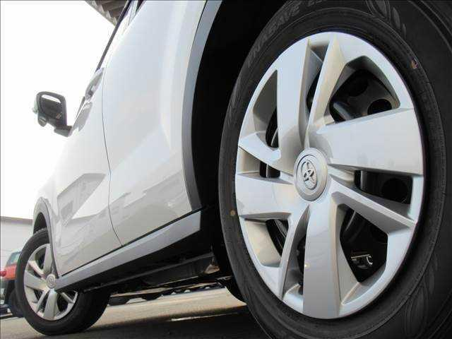 X S トヨタセーフティセンス 新車未登録 クリアランスソナー アイドリングストップ 純正16inスチールホイール スマートキー プッシュスタート(14枚目)