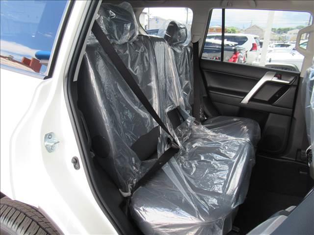 TX Lパッケージ 新車未登録 セーフティセンス プリクラッシュ レーンキープ 本革シート シートヒーター&クーラー ルーフレール レーダークルコン クリアランスソナー スマートキー 7人(9枚目)