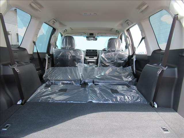TX Lパッケージ 新車未登録 セーフティセンス プリクラッシュ レーンキープ 本革シート シートヒーター&クーラー ルーフレール レーダークルコン クリアランスソナー スマートキー 7人(10枚目)