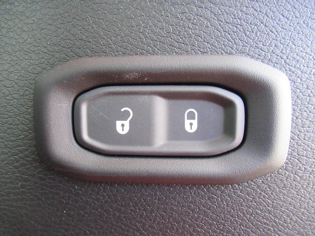 スポーツ 現行 ディスプレイオーディオ サイド・バックカメラ アップルカープレイ クリアランスソナー 純正アルミ フォグランプ USBポート ダウンヒルアシストコントロール 4WD(46枚目)