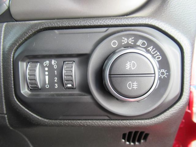 スポーツ 現行 ディスプレイオーディオ サイド・バックカメラ アップルカープレイ クリアランスソナー 純正アルミ フォグランプ USBポート ダウンヒルアシストコントロール 4WD(48枚目)