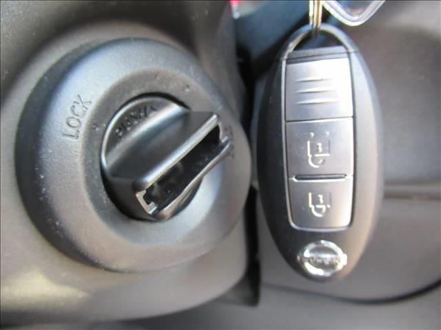 20GT S 後期 純正SDフルセグナビ 純正17inアルミ ETC キセノンヘッドライト フォグランプ ダウンヒルアシストコントロール パートタイム4WD カプロンシート インテリジェントキー ディーゼル車両(8枚目)