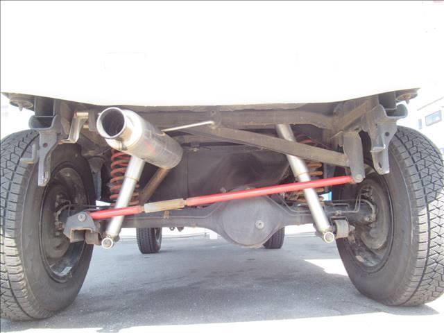 ランドベンチャー 10型 リフトUP カーボン製ボンネット High-Bridge-Firstマフラー LEDアンダーカバー HIDヘッドライト 背面タイヤレス ショートバンパー リアスポイラー シートヒーター 4WD(7枚目)