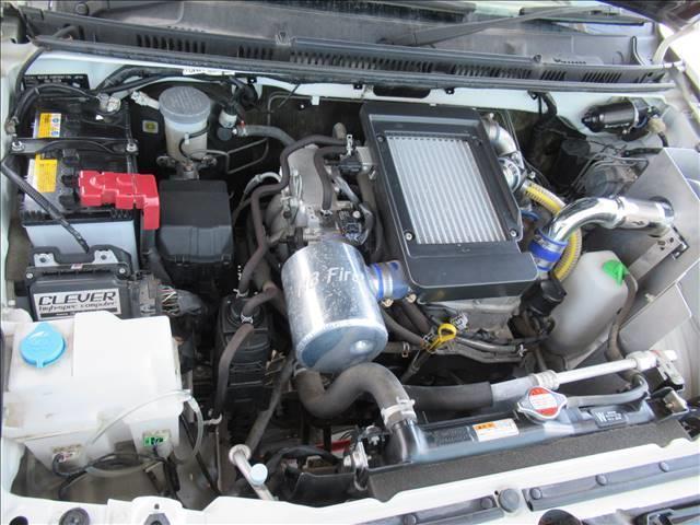 ランドベンチャー 10型 リフトUP カーボン製ボンネット High-Bridge-Firstマフラー LEDアンダーカバー HIDヘッドライト 背面タイヤレス ショートバンパー リアスポイラー シートヒーター 4WD(18枚目)