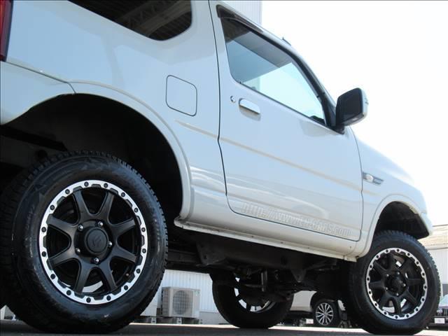 ランドベンチャー 10型 リフトUP カーボン製ボンネット High-Bridge-Firstマフラー LEDアンダーカバー HIDヘッドライト 背面タイヤレス ショートバンパー リアスポイラー シートヒーター 4WD(19枚目)