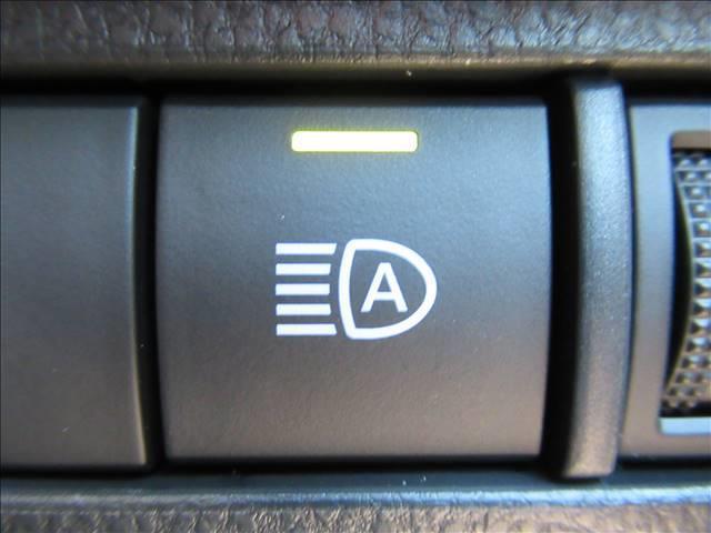 S ディスプレイオーディオ トヨタセーフティセンス レーダークルーズコントロール クリアランスソナー LEDヘッド オートハイビーム スマートキー プッシュスタート USB端子 ステアリングリモコン(10枚目)