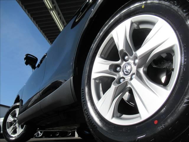 S ディスプレイオーディオ トヨタセーフティセンス レーダークルーズコントロール クリアランスソナー LEDヘッド オートハイビーム スマートキー プッシュスタート USB端子 ステアリングリモコン(19枚目)