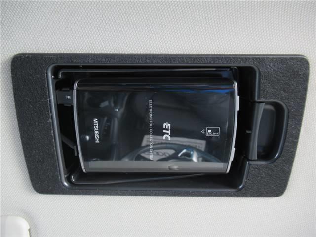 XD 純正7インチメモリーナビ BOSEサウンド HIDヘッド オートライト ETC S・Bカメラ AFS フルセグTV DVD再生 ミュージックサーバー ステアリングスイッチ アドバンストキー Pスタート(11枚目)
