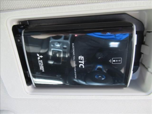 XD PROACTIVE セーフティクルーズパッケージ レーダークルーズコントロール リアヴィークルモニタリング ETC バックカメラ サイドカメラ クリアランスソナー USB端子 ステアリングスイッチ オートライト スマートキー ディーゼルターボ HID(11枚目)
