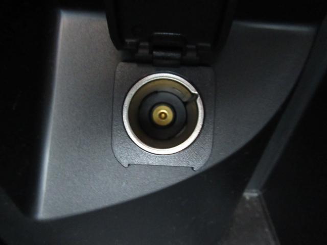 XD PROACTIVE セーフティクルーズパッケージ レーダークルーズコントロール リアヴィークルモニタリング ETC バックカメラ サイドカメラ クリアランスソナー USB端子 ステアリングスイッチ オートライト スマートキー ディーゼルターボ HID(50枚目)