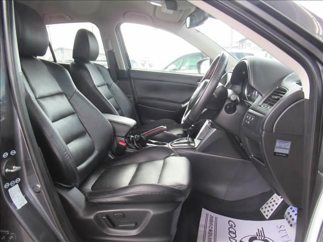 XD L Package BOSEサウンド シートヒーター 純正SDナビ 電動リクライニングシート クルーズコントロール アイドリングストップ サイドカメラ シートヒーター ETC車載器 ステアリングスイッチ オートライト(6枚目)