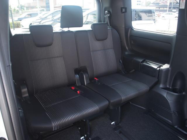 トヨタ ヴォクシー ZS 煌 新車未登録 両側パワスラ 自動ブレーキ