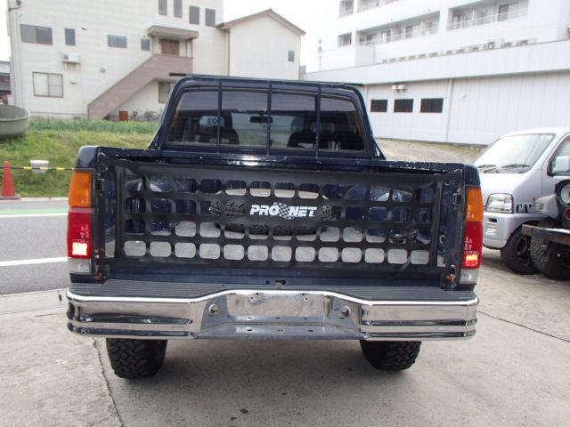 日産 ダットサンピックアップ ダブルキャブ 4WD 4ナンバー ガソリン車 全国登録OK
