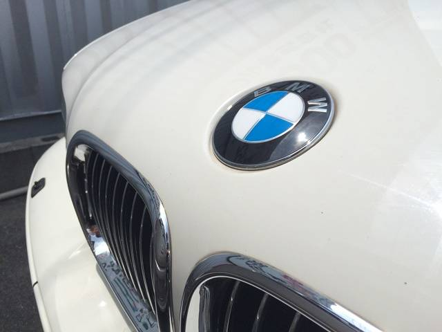 BMW BMW 530iツーリング 黒革 19AW ローダウン サンルーフ