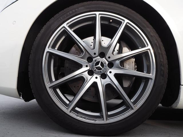 【ホイール】タイヤ空気警告システムによりパンク等のアクシデントがメーターに表示されいち早くお気付き頂けます。