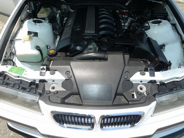 NA直6DOHC2リッターエンジン