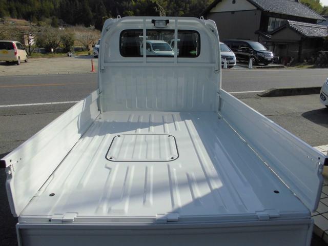 荷台長1940mmと広い荷台スペースが確保されております。畳が平積み可能な広さです。