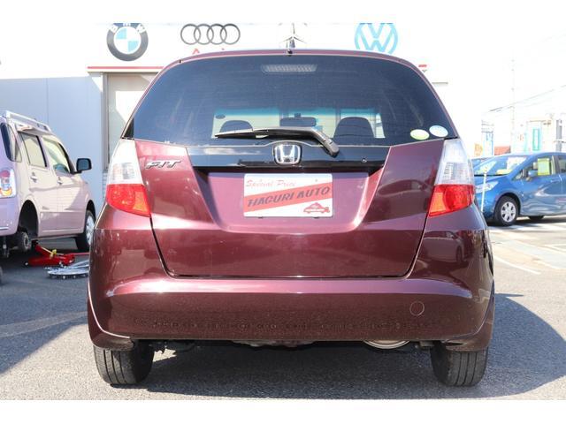 認定中古車 当社の商品は全て認定中古車です。中古車の信頼性向上を目的としプロの検査員の評価がついたお車です。鑑定書がお車の中に入っております。お車のコンディションを容易に把握することができます。