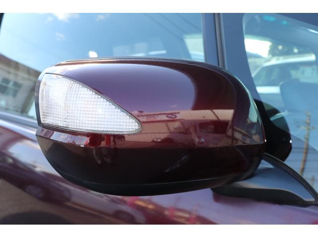 ★ウィンカーミラー★カッコイイだけじゃなく、他車からの視認性が高くなります。また従来のウィンカーより歩行者の目線の高さに近いので目に付きやすく安全性が高まります!!