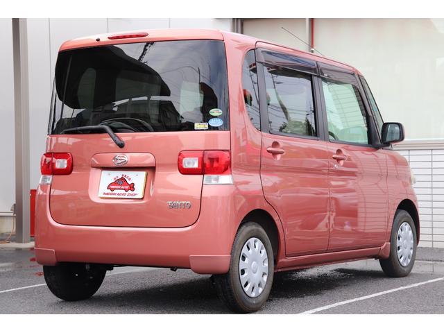 ★プライバシーガラス★外から車内が見えにくくなるのでプライバシーが守られます。また、日光を遮断するので車内の温度上昇を防ぎ、エアコンが利きやすくなります。お肌の天敵、紫外線も通りにくいです♪