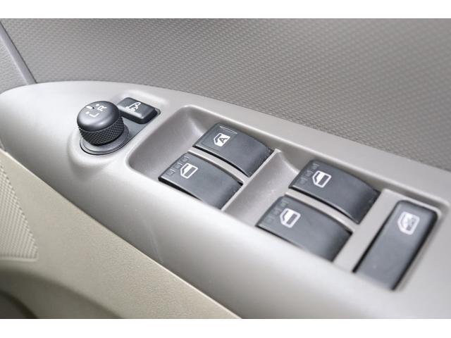 当社には自社の民間車検工場(運輸局指定工場)を完備しています。責任を持ってお客様のお車を整備いたします。お客様のカーライフを安心して頂ける環境が当社にはあります。