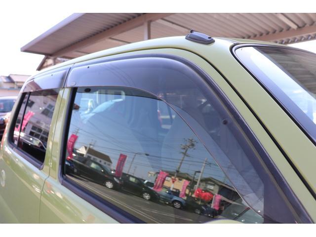 ★ドアバイザー付★雨が降っていても、窓を開ける事ができます。車内の空気を入れ替えたいから少しでも窓を開けたい!と思う時に無いと困ります。以外についてない中古車も多いんですよ♪