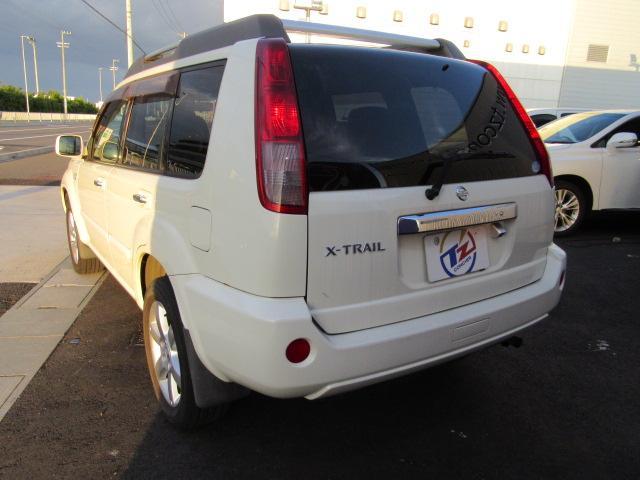 日産 エクストレイル Xtt 4WD