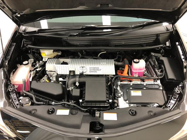 ご納車までの間に車検または12か月点検相当の整備をいたします。エンジンオイル、フィルター、ワイパーゴム、バッテリーは交換いたします。それ以外の部品の交換につきましては、詳しくはスタッフまで。