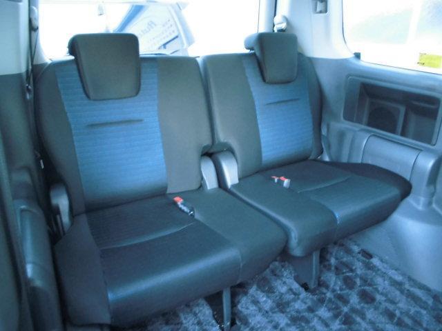 サードシートは、使用感もなく非常にキレイです!!