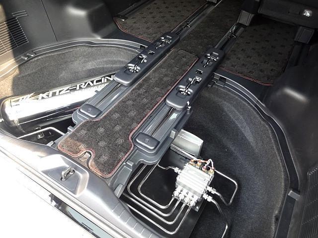 トヨタ アルファード 2.5S エアサス公認 VERZ20インチアルミリアアーム
