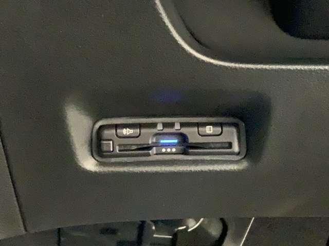 ホーム 当社試乗禁煙車 Bluetooth 用品ナビ Bカメラ ETC クルーズコントロール スマートキー フルセグ ワンオーナー LEDヘッドライト 衝突被害軽減 運転席助手席サイドエアバッグ ABS(18枚目)