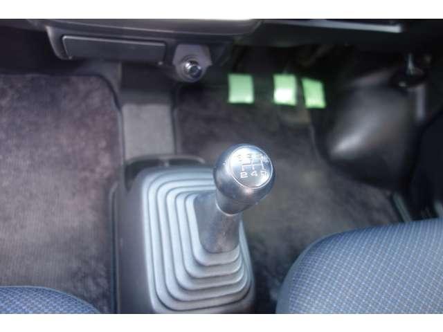 ベースグレード 5MT 4WD CDデッキ(15枚目)
