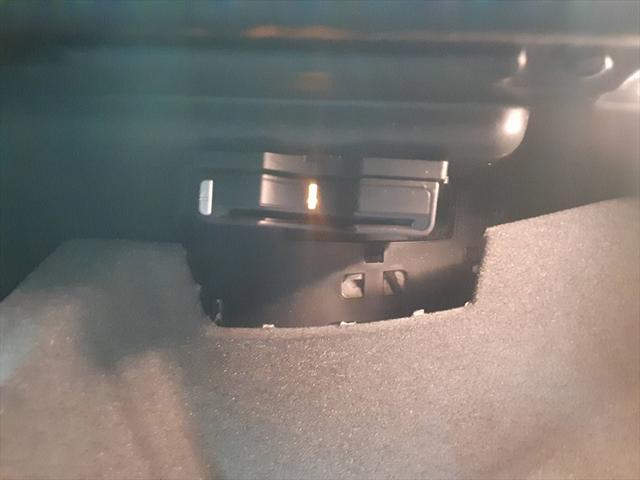 A180 ブルーエフィシェンシースポーツ 純HDDナビ フルセグTV ハーフレザーシート 純正19インチAW バックカメラ ETC クルーズコントロール 走行モード切替 アテンションアシスト 車間距離警告 エレクトリックスタビリティプログラム(34枚目)
