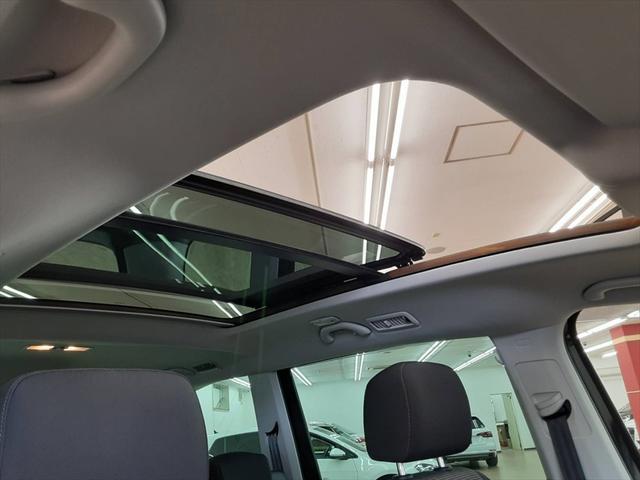 TSI コンフォートラインブルーモーションテクノロジ ベイキノセンヘッドライトパッケージ ナビ フルセグTV 両側パワースライドドア クルーズコントロール アイドリングストップ コーナーセンサー サンルーフ フォグランプ HIDヘッドライト ETC(38枚目)