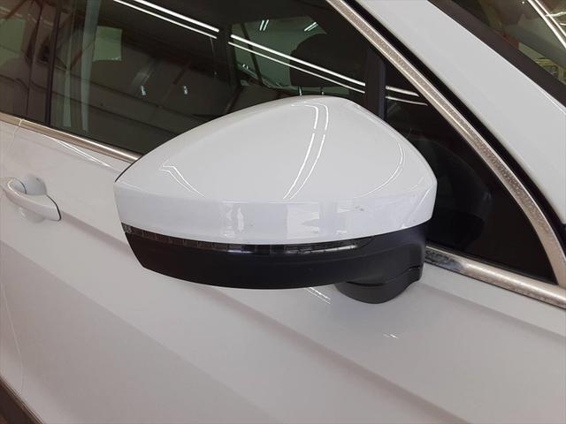 TSI ハイライン 純正ナビ シートヒーター クルーズコントロール レーンキープ プリクラッシュブレーキシステム 全周囲モニター LEDヘッドライト 走行モード切替(65枚目)