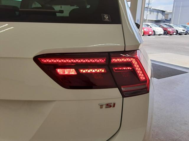 TSI ハイライン 純正ナビ シートヒーター クルーズコントロール レーンキープ プリクラッシュブレーキシステム 全周囲モニター LEDヘッドライト 走行モード切替(66枚目)