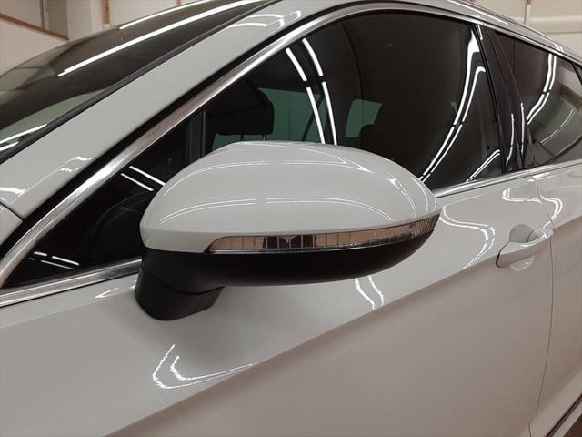 2.0TSI Rライン テクノロジーパッケージ 純正ナビ フルセグTV レーンキープ ブラインドスポットモニター 衝突軽減装置 マッサージ機能 シートヒーター(13枚目)