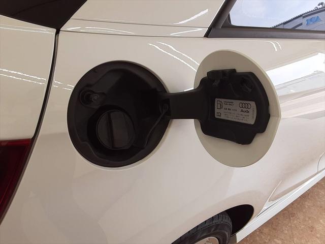 1stエディション 純正ナビ HIDヘッドライト パドルシフト スポーツシート 革巻きステアリング ETC Bluetooth アイドリングストップ 純正16インチアルミホイール(54枚目)