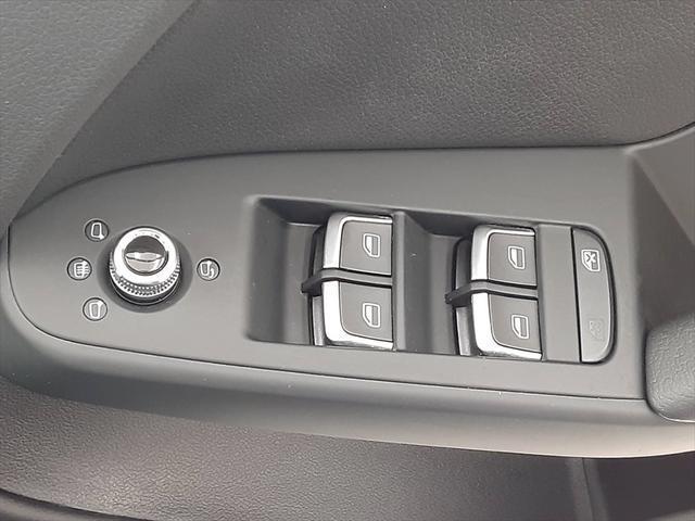 2.0TFSI SEパッケージ 純正ナビ シートヒーター バックカメラ 本革シート Bluetooth 純正17インチアルミホイール コーナーセンサー パワーシート(30枚目)