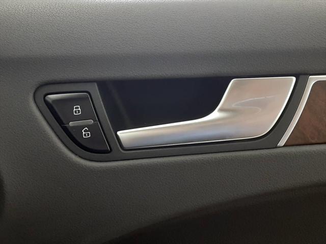 2.0TFSI SEパッケージ 純正ナビ シートヒーター バックカメラ 本革シート Bluetooth 純正17インチアルミホイール コーナーセンサー パワーシート(31枚目)