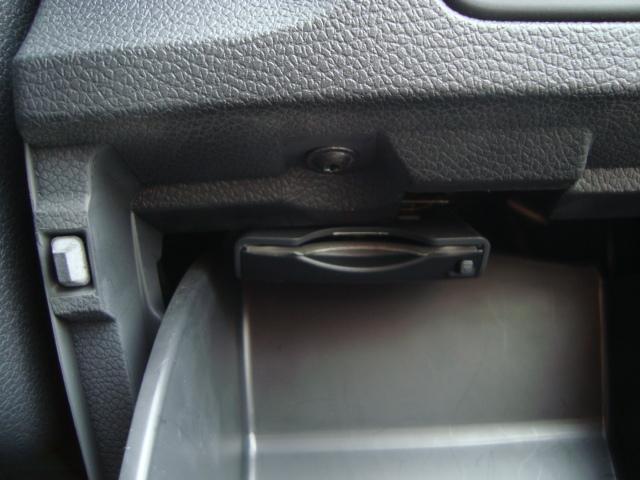 フォルクスワーゲン VW ゴルフ TSIトレンドLブルーモーションT 純正SDナビ ETC