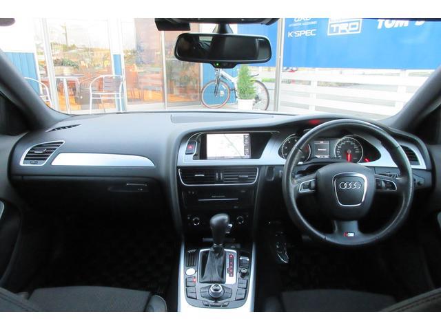 センスあふれるインテリアは使用感等なくしっかりとした艶を保っており長く付き合って頂けるお車でございます!!