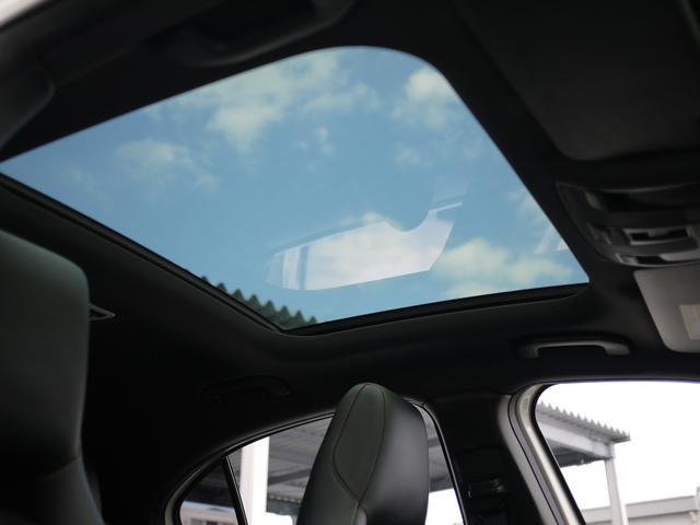 ★パノラミックサンルーフの開放感ある車内空間は最高です♪