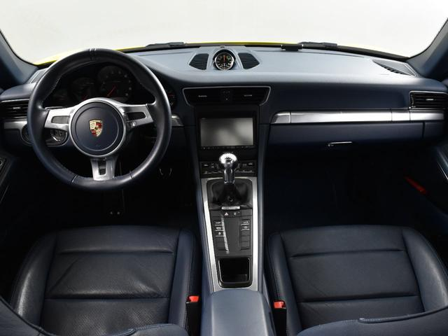ポルシェ ポルシェ 911カレラ 7速MT スポーツクロノPKG ワンオーナー