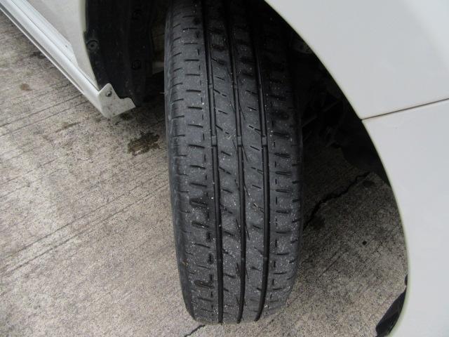 まだ使用可能なタイヤです